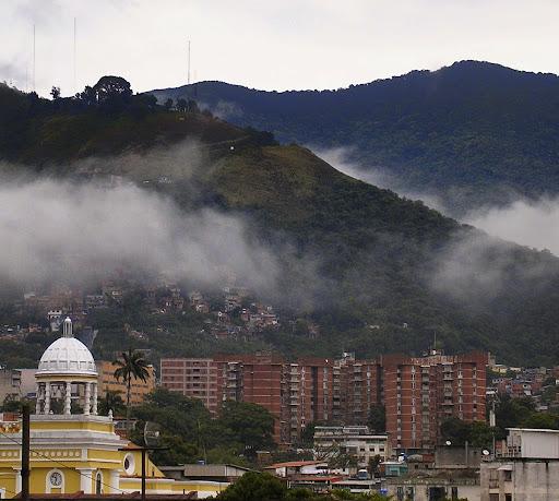 Campanario de la iglesia de la Divina Pastora, Los Mecedores, Puerta de Caracas, Venezuela
