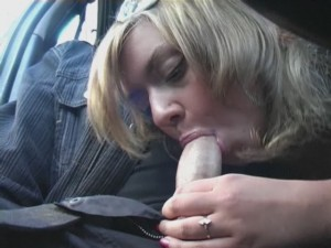 GIRL APPROACHED AND FUCKED IN PUBLIC STREET