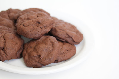 photo of a plate of chocolate cookies