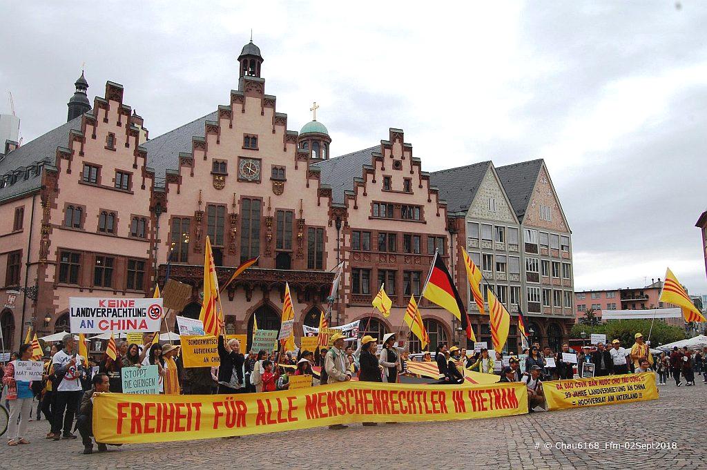 C:\1_Papi_NC\Aktivitaeten der NVTNCS in Germany\Demo in Ffm_02Sept2018\Pics selected for FB\DSC_0382-A.jpg