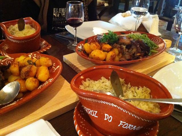 Taberna do Jéréré : Cabrito acompañado de patatas y arroz blanco. Buenísimo y abundante.