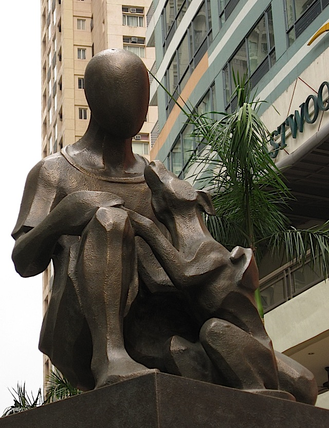 the sculpture 'Silent Companion' at Eastwood Mall