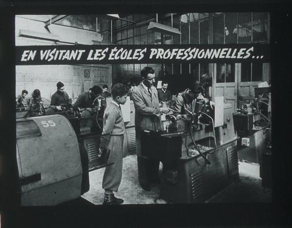 Films fixes et publicités de quartier (educational filmstrips) sur www.filmfix.fr : La conquête d'une profession - Garçon