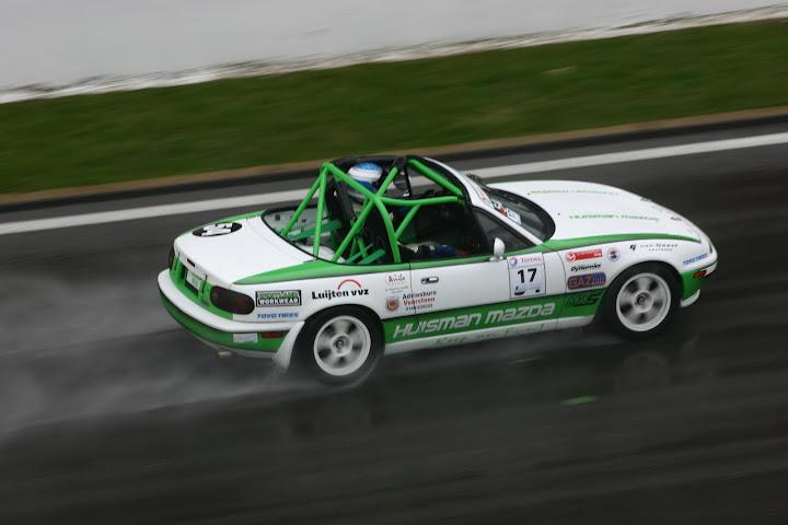 La course auto en Mazda MX-5 - Page 5 IMG_8923