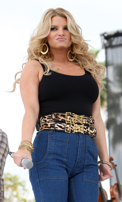 Jessica Simpson Is Fat and Old(big breasts-10photos)10