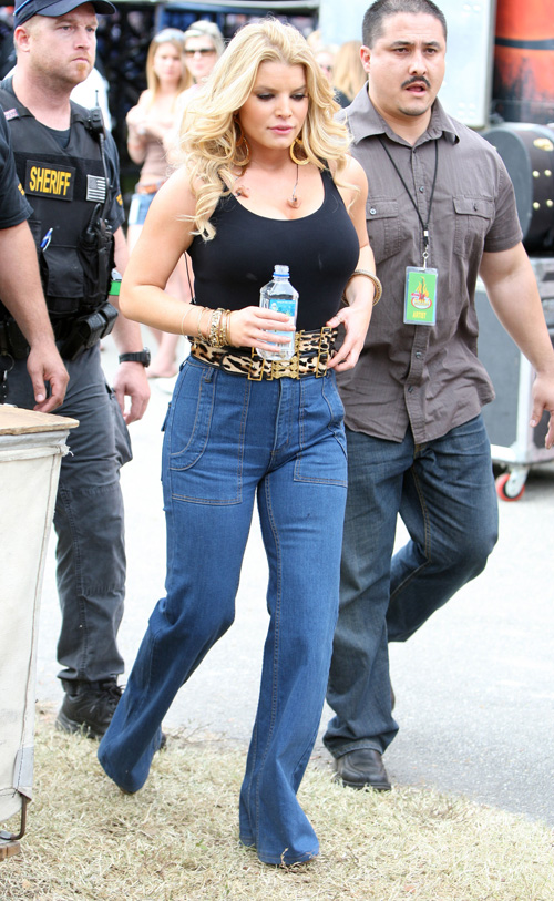 Jessica Simpson Is Fat and Old(big breasts-4photos)4