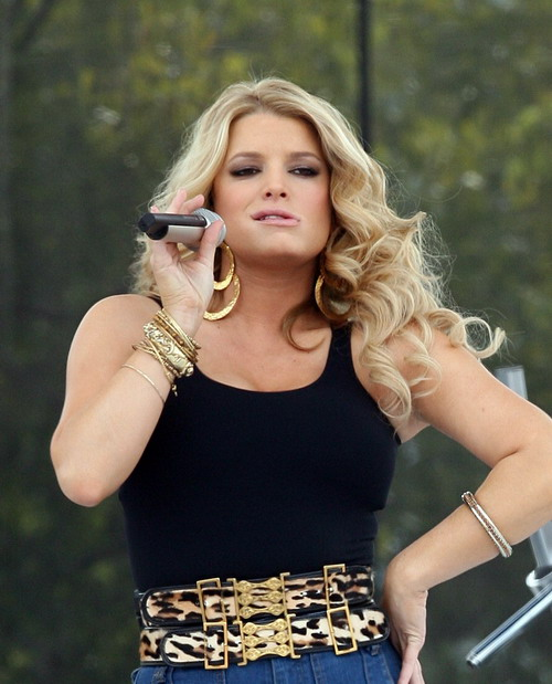 Jessica Simpson Is Fat and Old(big breasts-14photos)14