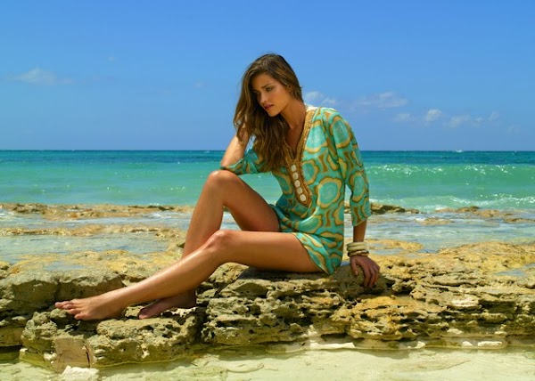 Ana Beatriz Barros also knows bikinis(bikini girl-5photos)5