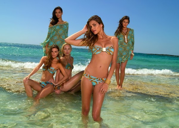 Ana Beatriz Barros also knows bikinis(bikini girl-4photos)4
