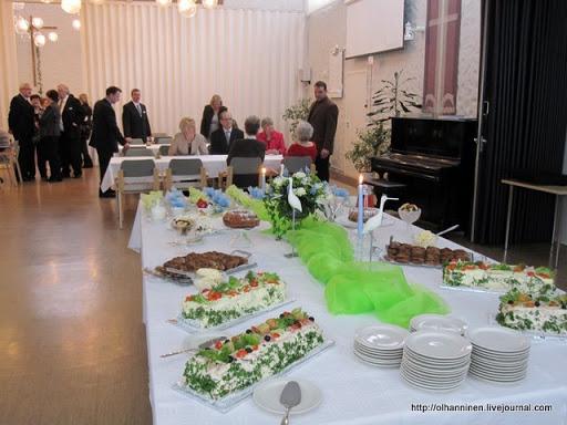 После крестин ребенка финны организуют безалкогольный праздничный стол для родственников и друзей