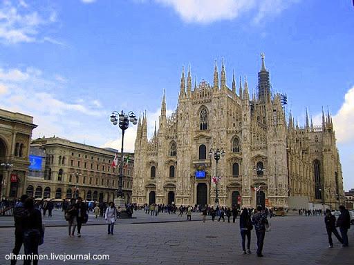Миланский собор на Соборной площади в Милане, Италия