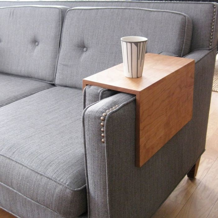 Подлокотник-столик для дивана дизайн, идея, креатив