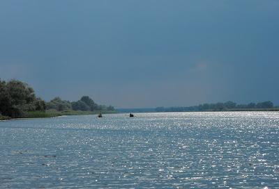 Delta Dunarii. La vasle pe Dunarea Veche inaintea furtunii
