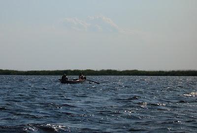 valuri pe lacul Babina in miez de zi