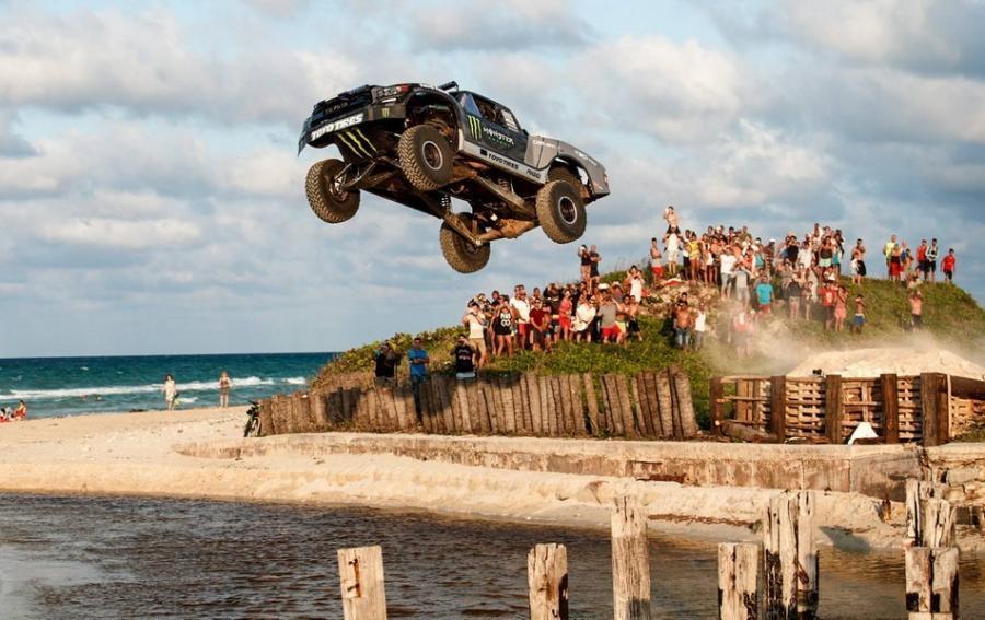 Toyota Tundra「850hp」式樣「直搗」古巴!果真是「無政府」(內附動態影片)
