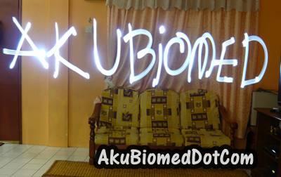 AkuBiomed blog title dengan light Graffiti