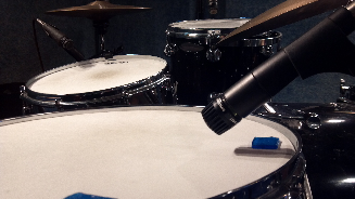 SM57 on a snare drum