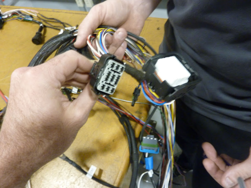 Wiring an 02-04 K-pro to a K20A/K20Z3 chis harness - Hondata on