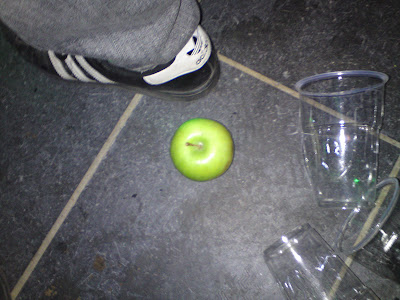 Ett litet grönt äpple