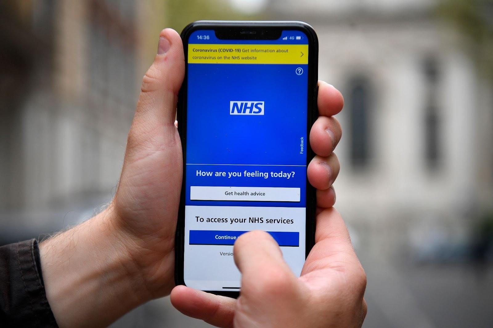 Vương quốc Anh triển khai hộ chiếu vắc-xin trước chứng nhận số của EU - ảnh 1