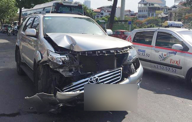 Toyota Fortuner: Xe co tui khi 'ben' nhat Viet Nam? hinh anh 1
