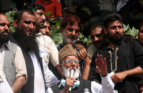 India to release hurriyat leaders, says Geelani
