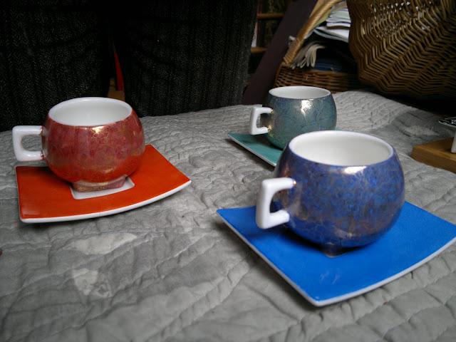 service caf moderne le blog de claudine. Black Bedroom Furniture Sets. Home Design Ideas