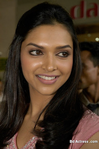 Bollywood Actress Deepika Padukone Photo-01