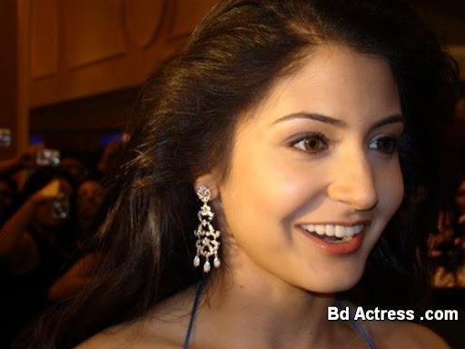 Bollywood Actress Anushka Sharma Photo-04