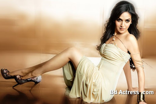 Bollywood Actress Esha Deol Photo-03