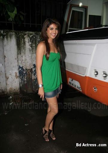 Bollywood Actress Priyanka Chopra Photo-08