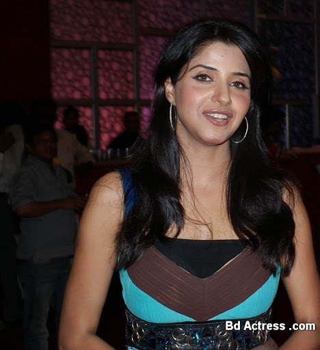 Bollywood Actress Saadhika Randhawa Photo-04