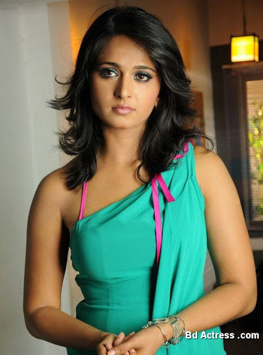 South Indian Actress Anushka Photo-03