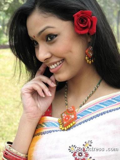 Bangladeshi Model Nabila Karim smile