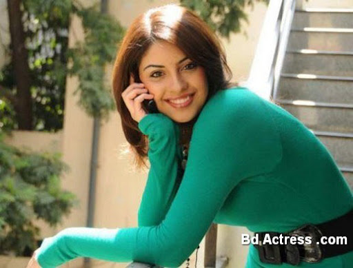 Indian Model Richa Gangopadhyay green dress