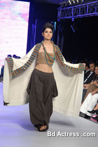 Pakistani Model Kiran Malik black wear