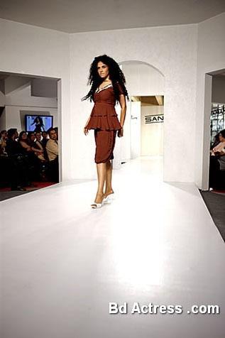 Pakistani Model Angeline Malik photo