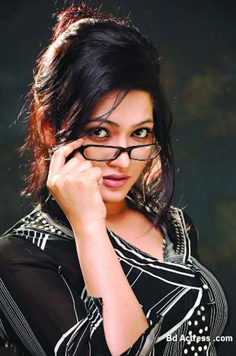 Bangladeshi Lux Super Star Badhon picture