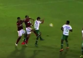 Pênalti inexistente salva o Flamengo no Brasileirão 2016