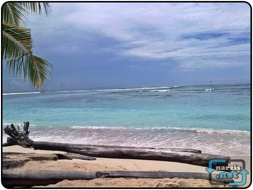 Keindahan Pantai Papua
