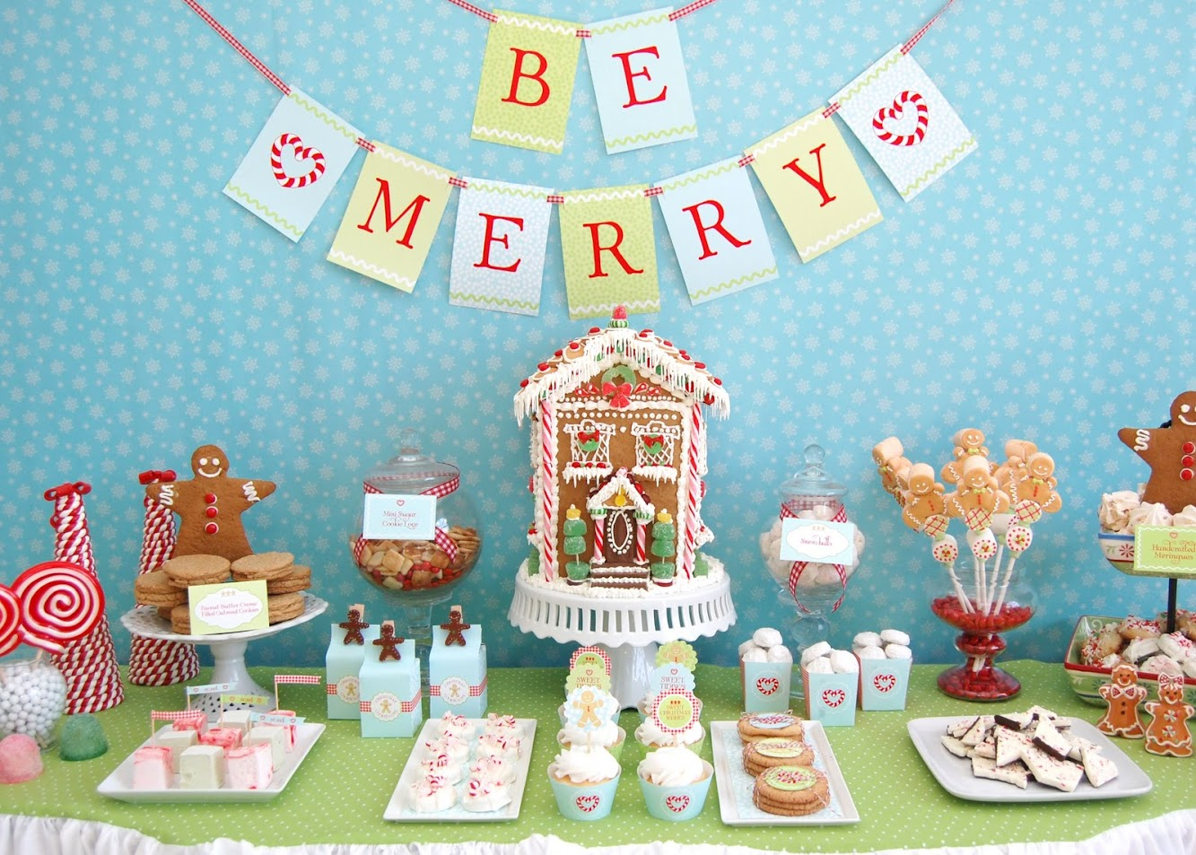Gingerbread Cookie Dessert Table