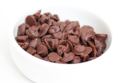 photo of a bowl of nutella chips