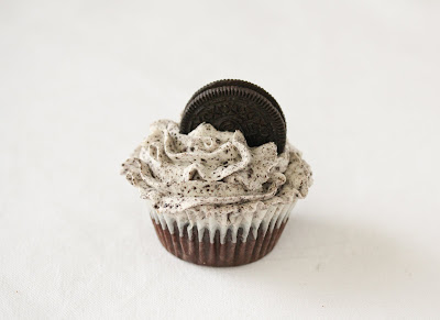 photo of one oreo cupcake