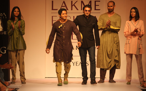 Digvijay Singh Pays Tribute to Mother Earth [men's fashion]