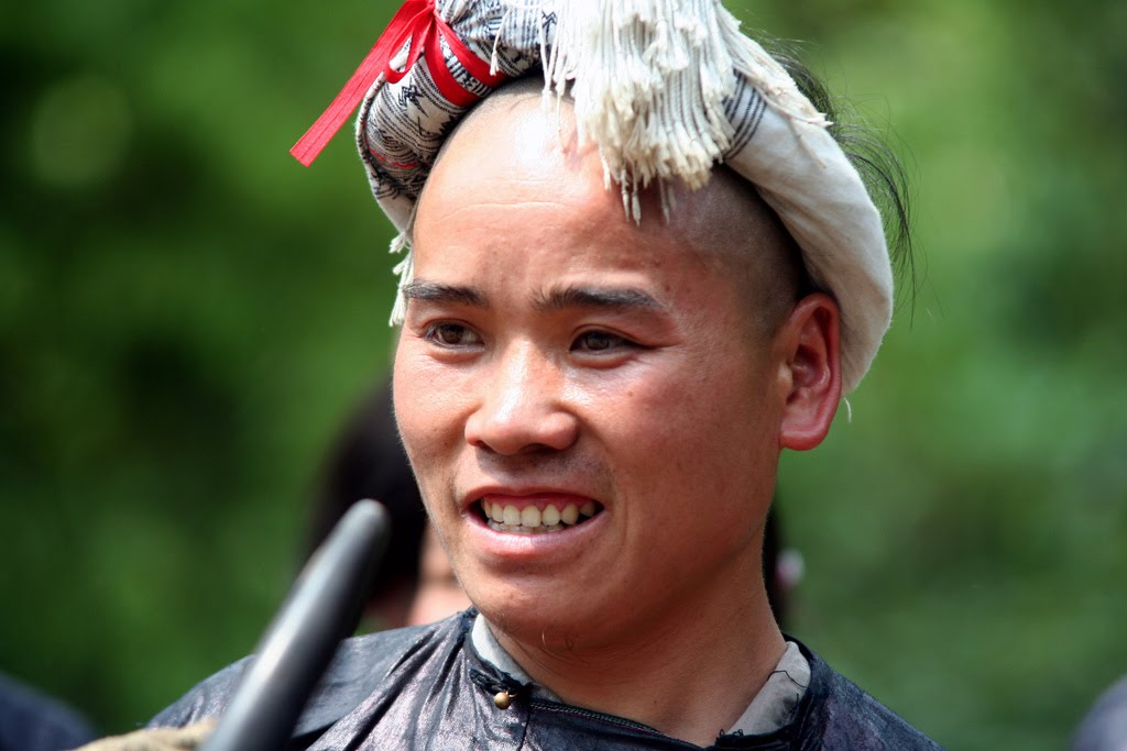 Miao People—All about Fashion [men's fashion]