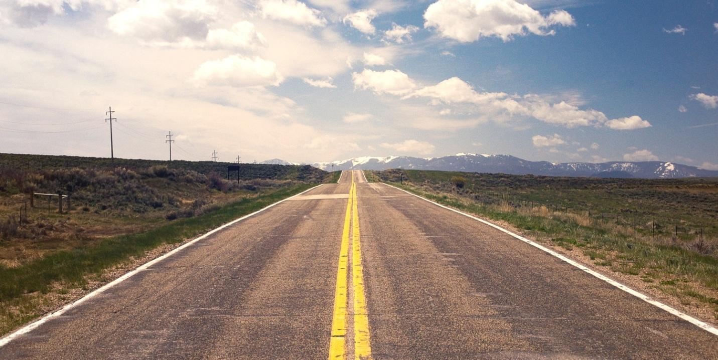 C:UsersStefanDownloadslong-distance-moving-companies-highway.jpg