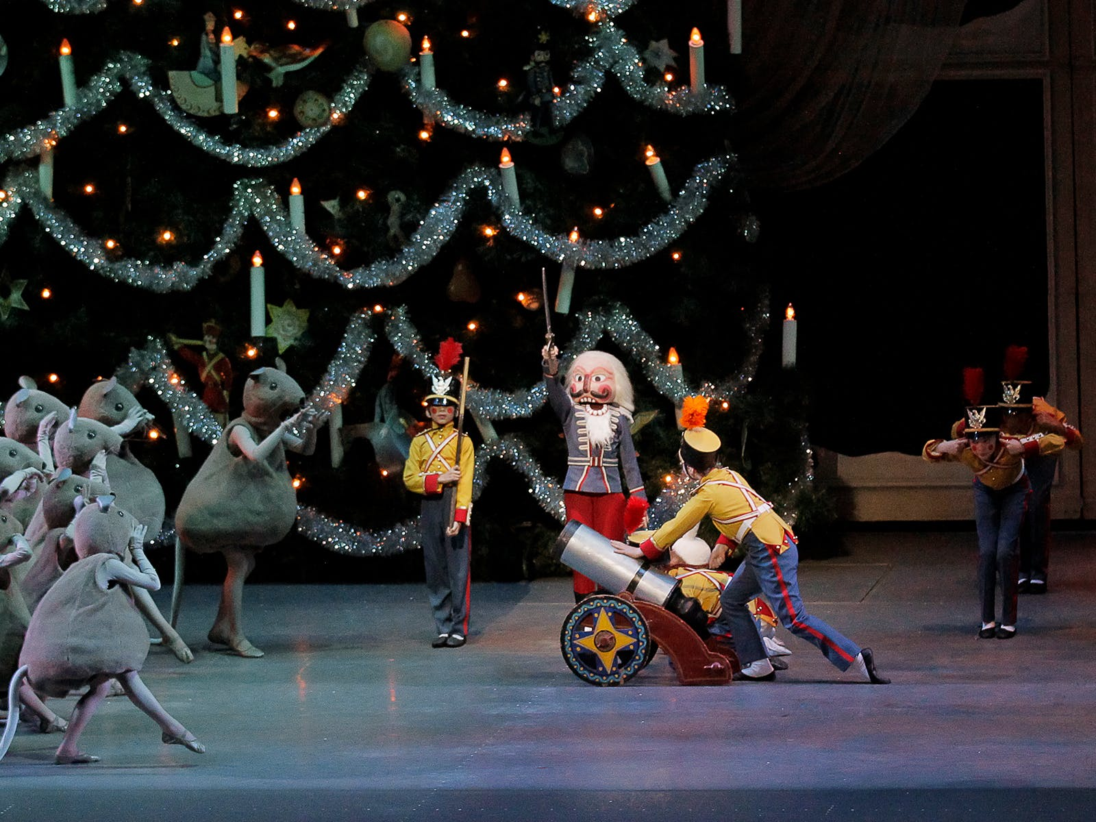 Get Tickets to NYC's Hottest Holiday Shows with TodayTix
