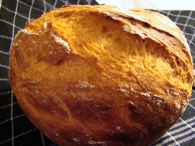 Pan de un levado, con ajo y pimentón de la Vera