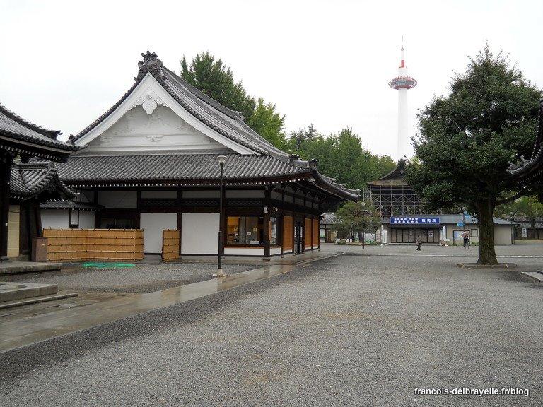 Tour de Kyoto vue depuis le Higashi Hongan-ji