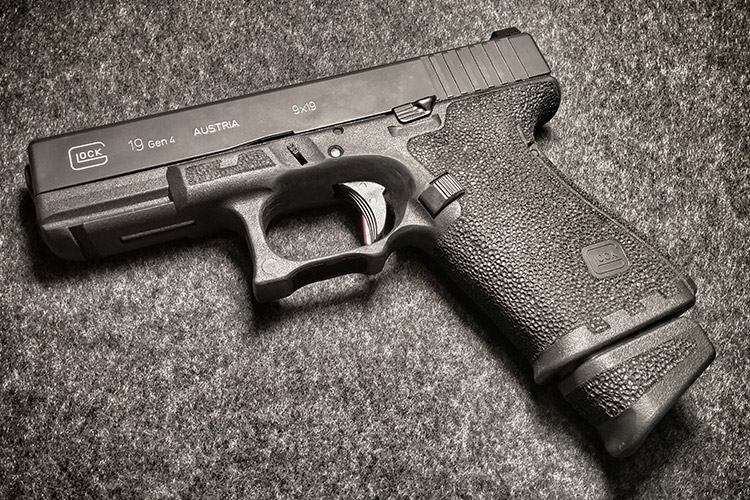 g19 gen 4 stippled with extended grip